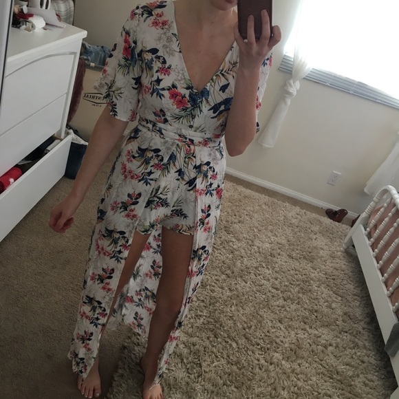 a9f7bf1865a American Eagle Outfitters Dresses   Skirts - AE kimono romper